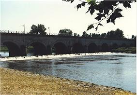 Water bridge on the Loire River near Digoin
