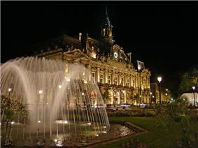 Town hall and Place Jean Jaurès