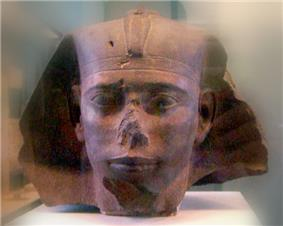 Red granite head of Djedefre from Abu Rawash, Musée du Louvre