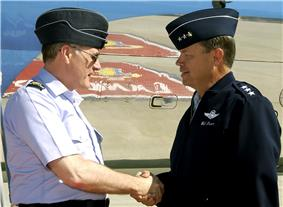 Lt Gen William Fraser greets Air Chf Mshl Sir Jock Stirrup.jpeg