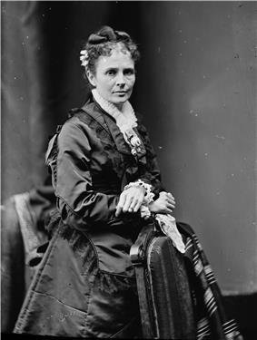 Portrait photograph of Lucretia Garfield