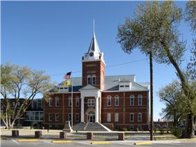 Luna County Courthouse and Park
