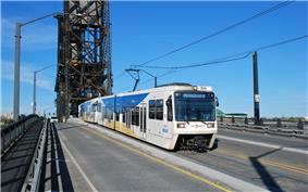 MAX train crossing Steel Bridge in 2009 - street view of SD660 LRVs