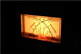 Backlit cross-needle SWR meter