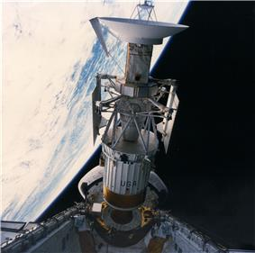 Deployment of Magellan with Inertial Upper Stage booster
