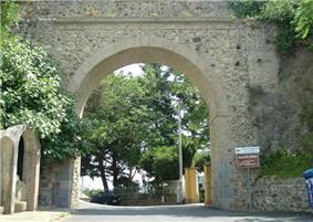 Arco di San Antonio, leading into the town of Maida.