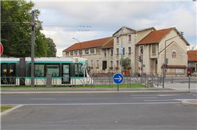 A tram on the T2 tramway line, outside the town hall in Bezons