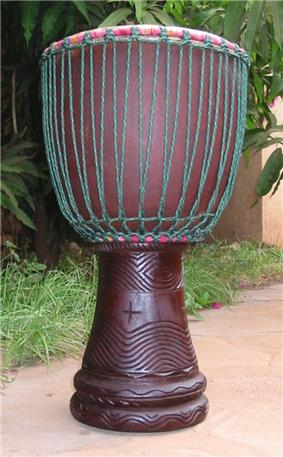 Djembe with modern two-ring mounting system