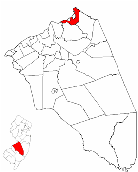 Bordentown Township highlighted in Burlington County. Inset map: Burlington County highlighted in the State of New Jersey.