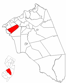 Moorestown Township highlighted in Burlington County. Inset map: Burlington County highlighted in the State of New Jersey.