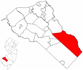 Monroe Township highlighted in Gloucester County. Inset map: Gloucester County highlighted in the State of New Jersey.