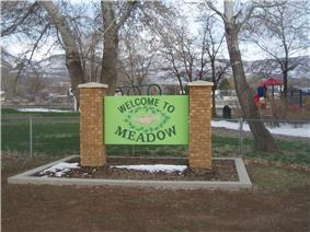 Meadow welcome sign