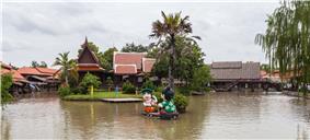 Mercado flotante, Ayutthaya, Tailandia, 2013-08-23, DD 02.jpg