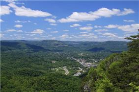 View of Middlesboro from the Pinnacle Overlook.