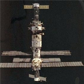 Mir space station with Soyuz TM-20