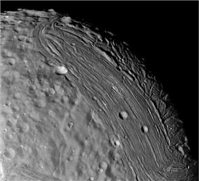 Fractured surface of Miranda