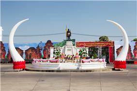 The Monument of Phaya Surin Phakdi Si Narong Changwang