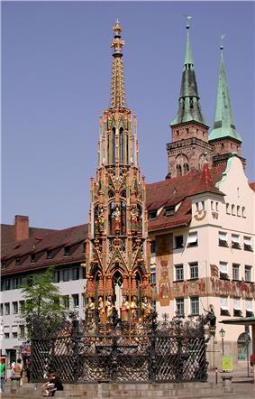 Nürnberg Schöner Brunnen Totale.jpg