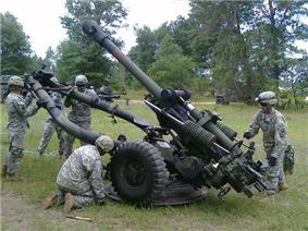 New Equipment Training on the MII9A2 M105 Howitzer.jpg