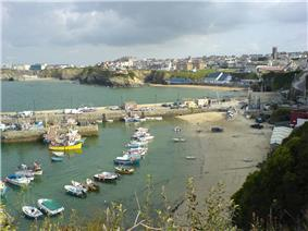 Newquay harbour town.jpg