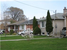 Houses in Newtonbrook