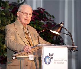 Norman Borlaug.jpg