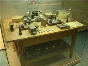 Table top with various pieces of experimental equipment.