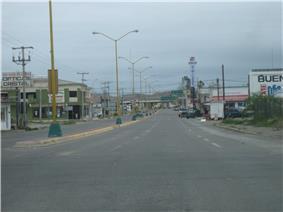 North to border crossing on Blv. Libre Comercio in Ojinaga