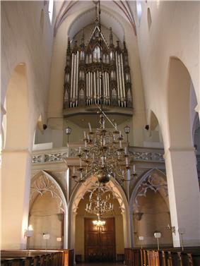 Oleviste kirik 2006.jpg