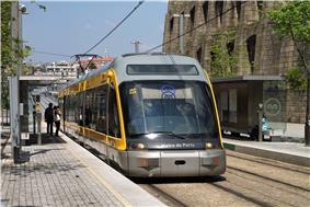 A Porto Metro train at Jardim do Morro station, Gaia.