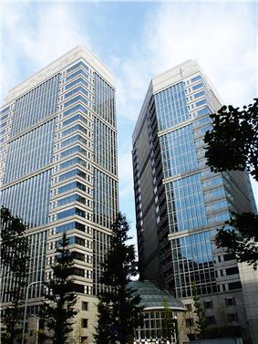 Otemachi First Square, Tokyo, Japan.jpg