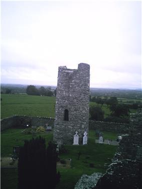 Photo of Oughterard Irish Round Tower, County Kildare, Ireland