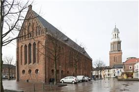 Dutch Reformed Church and market square in 2007