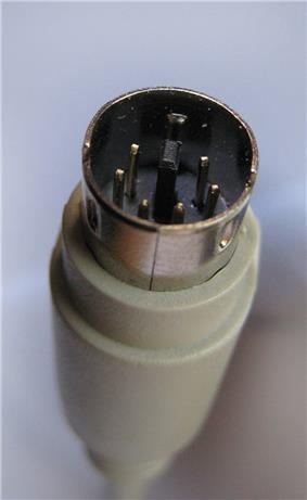 PS2 connector-black male- tilted close up PNr°0061.jpg