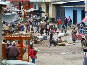 Market scene in Palestina