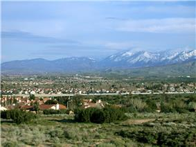 Palmdale, looking southeast toward the Antelope Valley Freeway and the San Gabriel Mountains