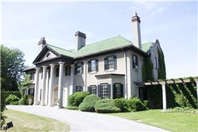 Exterior view of house at Parkwood Estate