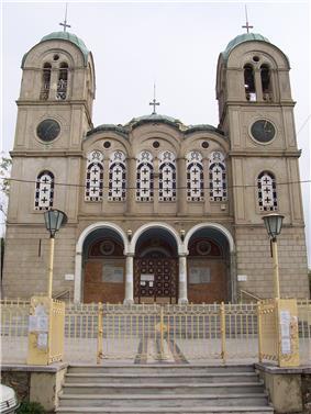 Patras kostel Pantokrator zepredu.jpg