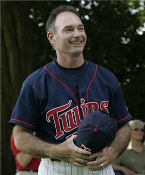 Paul Molitor in a Twins uniform, holding his cap.
