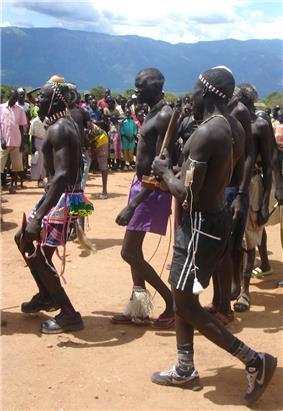 Peace agreement dancers in Kapoeta