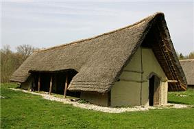 Reconstruction of a prehistoric house in Gletterens