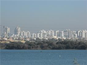 Rishon LeZion skyline and lake