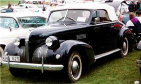 Pontiac De Luxe Convertible Coupe 1939.jpg