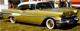 Pontiac Star Chief 1957 3.jpg