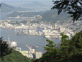 Port of Kure seen from Mount Yasumi
