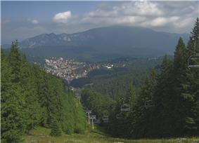 View of Predeal from Clăbucet-plecare Chalet (1445m); behind is the Postăvarul massif