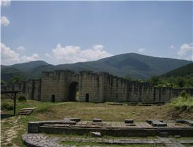 Preslav fortress 10.jpg
