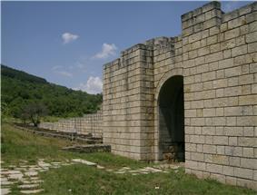 Preslav fortress 16.jpg