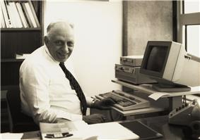 Prof.ir. Martinus Tels, at his desk in the office of the rector magnificus.