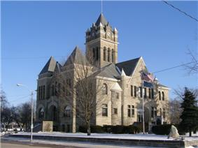 Pulaski County Courthouse in Winamac